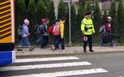 Strážníci budou dohlížet nad bezpečnou cestou dětí pro vysvědčení