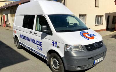 Městská policie Zlín rozšířila svůj vozový park o vozidlo pro převoz opilců