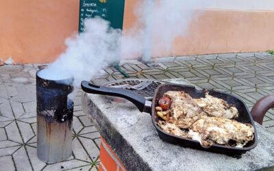 V hospodě bylo zavřeno, a tak k přípravě nedělního oběda posloužil hořící odpadkový koš