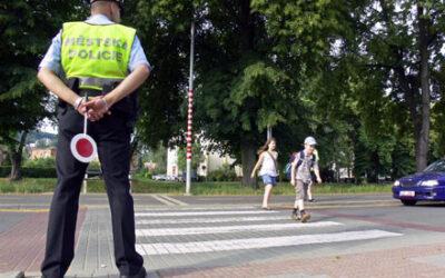 Strážníci MP Zlín budou opět dohlížet na bezpečnou cestu dětí do škol