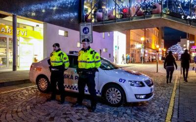 OBRAZEM: Městská policie Zlín dohlížela na bezpečnost návštěvníků adventního jarmarku