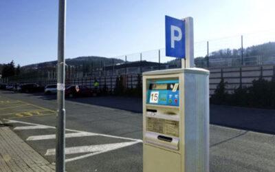 Vláda rozhodla o opětovném zprovoznění zpoplatněných parkovišť