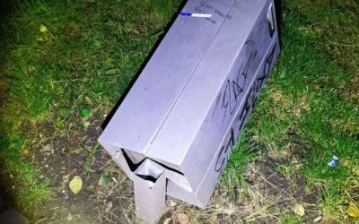 Strážníci řešili muže, kteří měli potřebu zúčtovat s odpadkovými koši