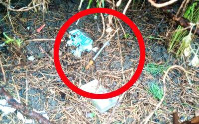 Upozorňujeme na nález injekční stříkačky. Hlídka MP Zlín ji zjistila při kontrole hřiště
